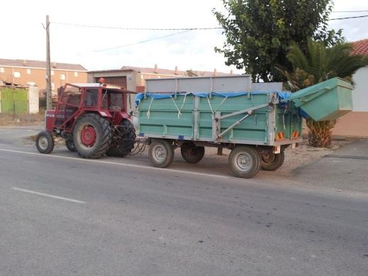 Tractor cargador uva