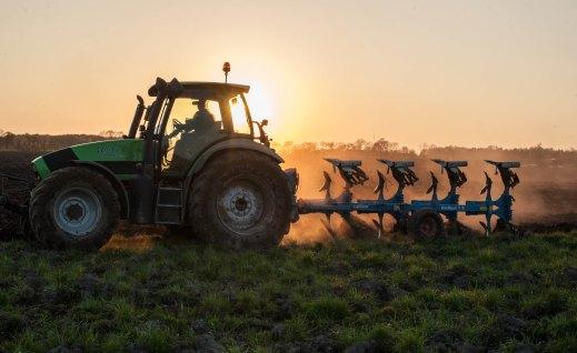 RENOVE maquinaria agrícola 2020